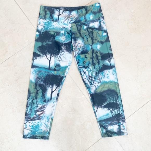Teal and Black Abstract Capri Leggings   S//M
